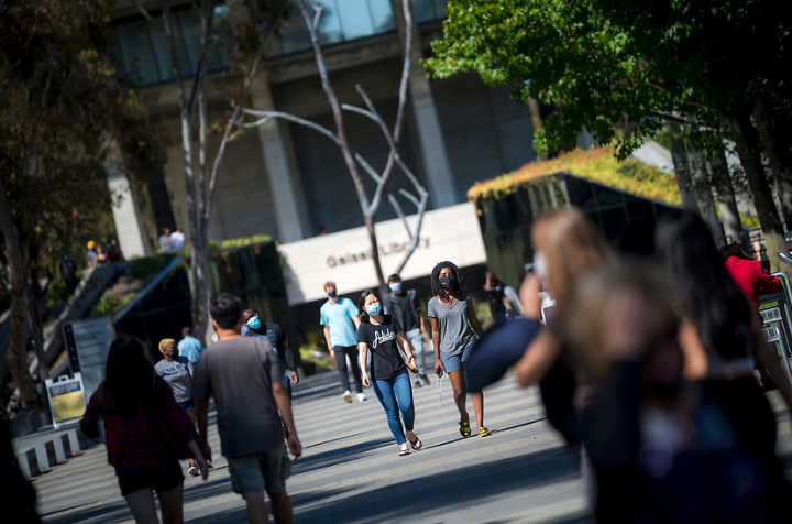 Move-in weekends 2021 at UC San Diego Library Walk