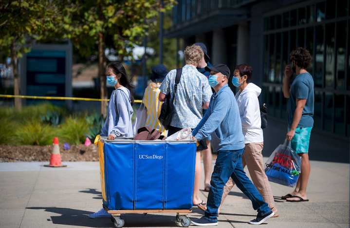 Move-in weekends 2021 at UC San Diego at Muir College